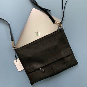 s a n c t u a r y minimalist leather crossbody
